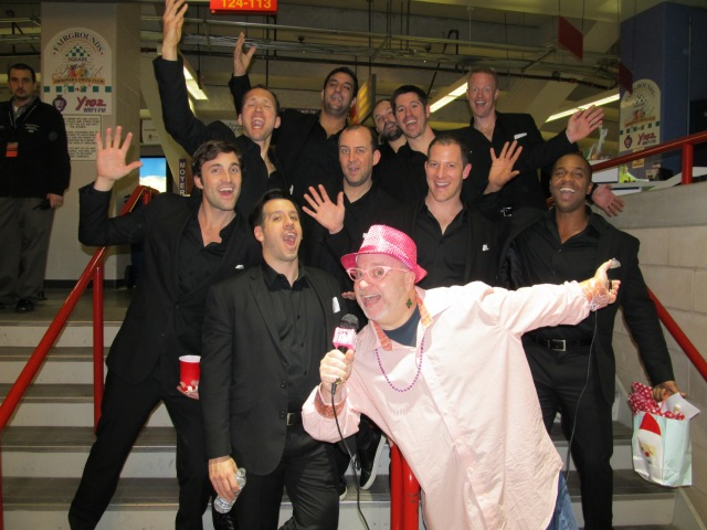 Glinda strikes a pose with the STRAIGHT NO CHASER men at Santander Arena, Friday Night, December 26th